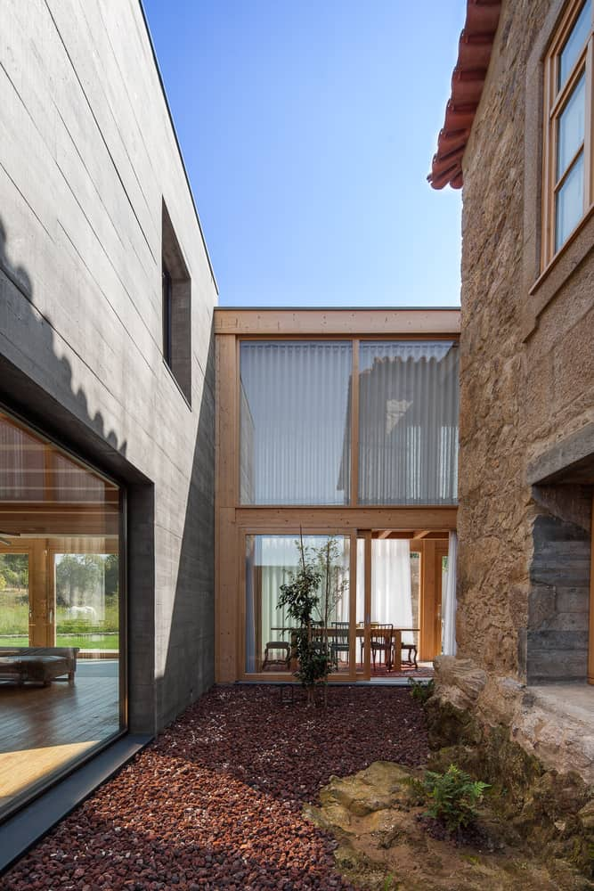 Concrete House with a Simple and Elegant Interior