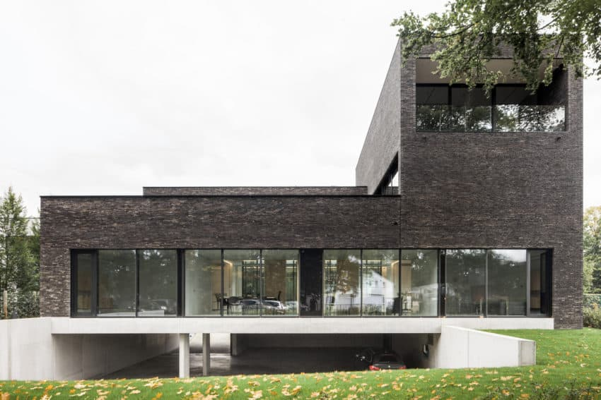 Functional Office Building Pays Special Attention to Sustainability Techniques