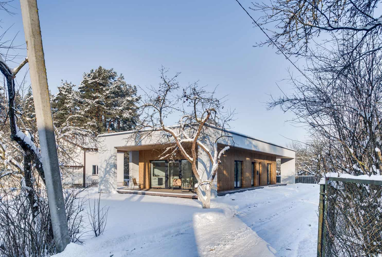small house with comfortable spaces in which to spend time with friends and family - Picture Of Small House