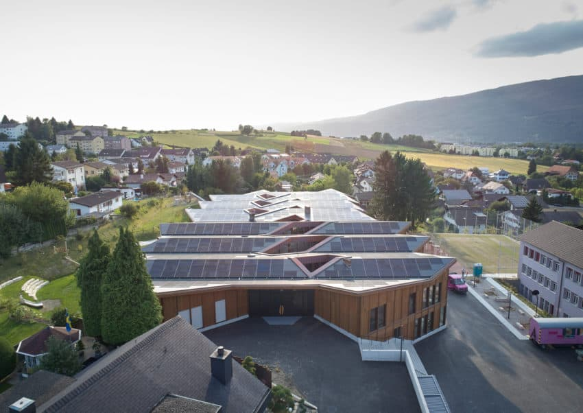 School in Switzerland Built with Materials of Low Environmental Impact
