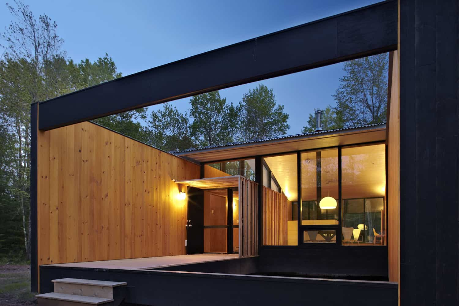 Prefabricated House with Spacious and Bright Spaces