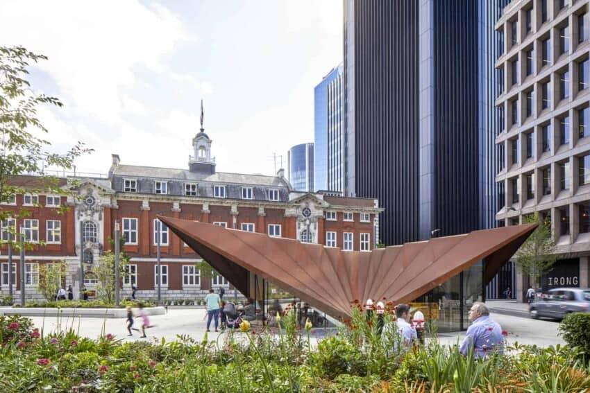 Unique Structure in the Center of a Public Square in London