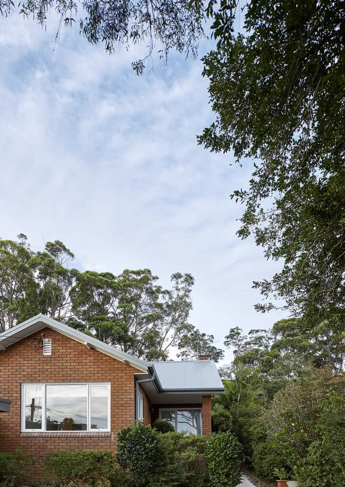 Discrete Remodeling of a Mid-Century Bungalow