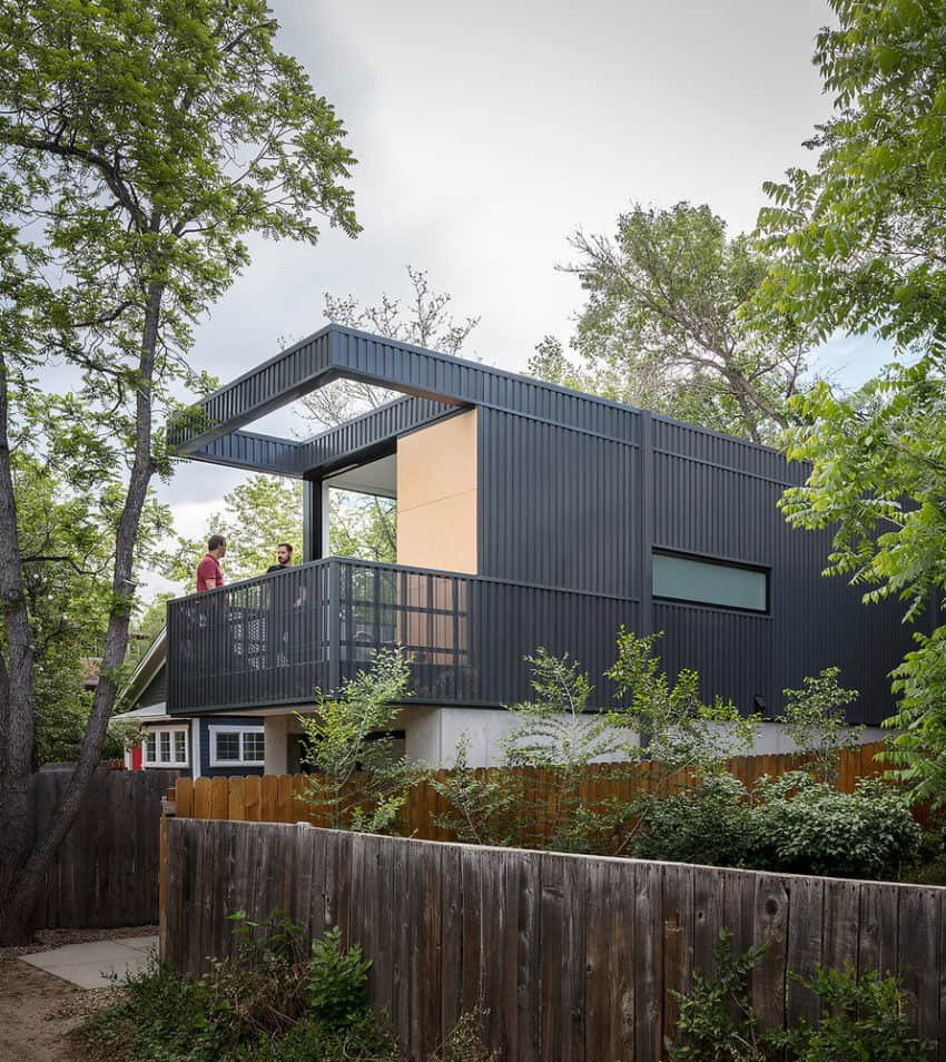 Multipurpose Space Designed for a Young Landscape Architect