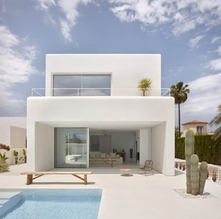 Carles Faus Arquitectura Build Spanish Carmen House, Inspired by Ibizan Architecture