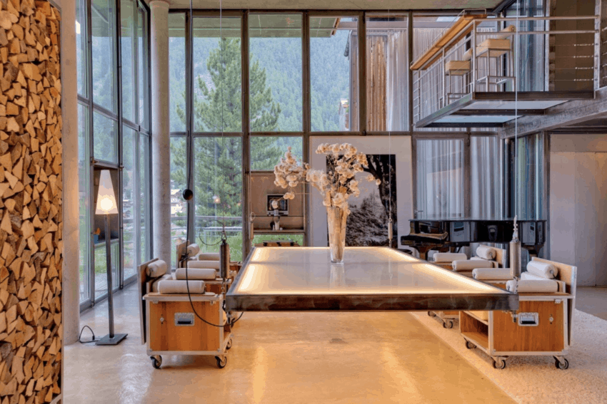 Swiss loft offers a fashionable, French-inspired getaway in the Alps