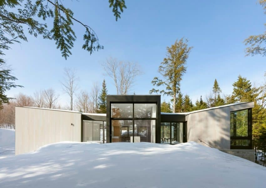 Lakeside retreat TRIPTYCH created by Canadian company YH2 Architecture