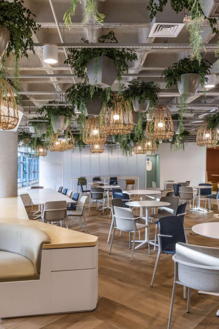 Pita Arquitetura give Latin America's largest travel agent, Decolar, a head office transformation