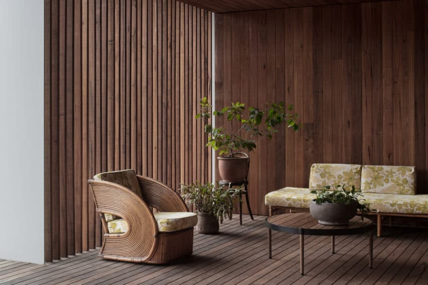 Stunning beach house called Point Lonsdale House finished by Edition Office in Australian city of the same name