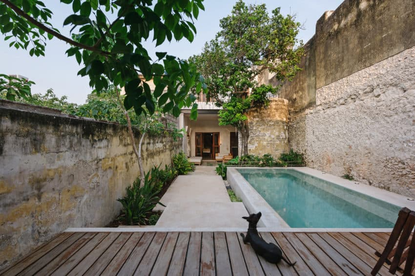 Historic old home transformed into rustic modern Deco House by Taller Mexicano de Arquitectura