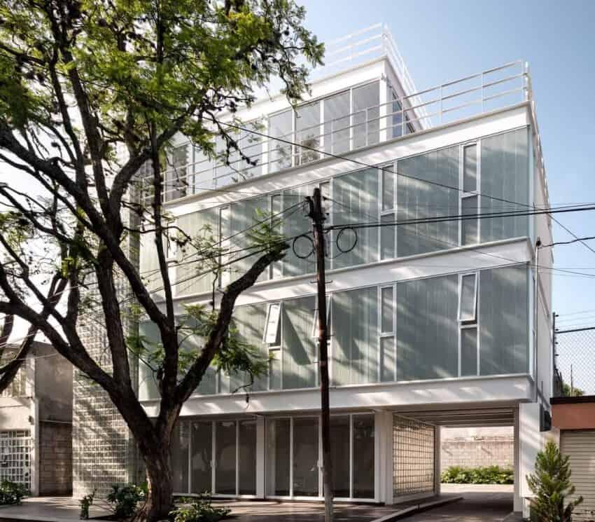 Avenida Central Building created by Emilio Alvarez Abouchard Arquitectura on iconic Mexican street