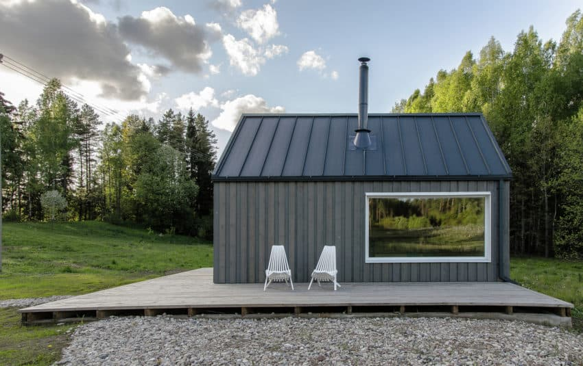 Small Lithuanian Hunting Cabin by Devyni architektai