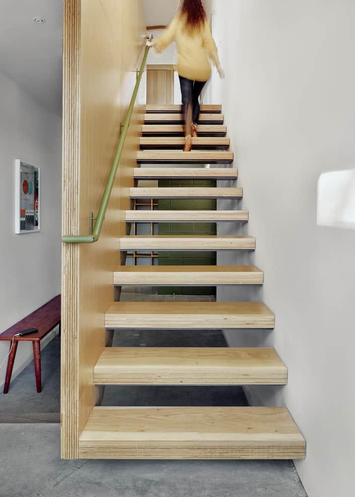 Raveon stairs